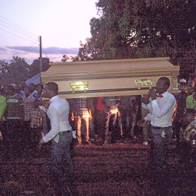 030 Check out Photos from 2face Idibia Dads Burial