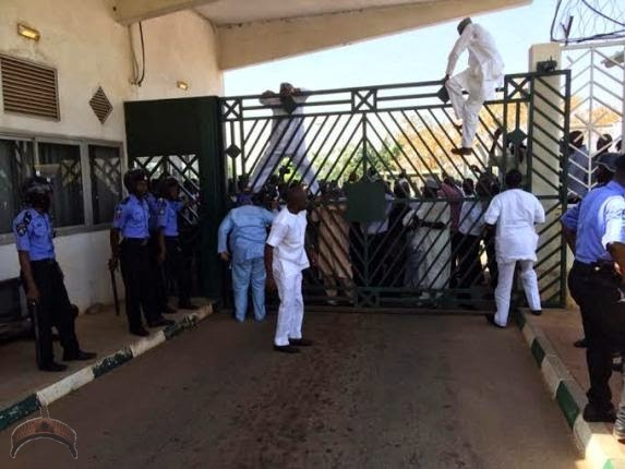 265 Turmoil in National Assembly as Law makers scale fence to gain access into the complex