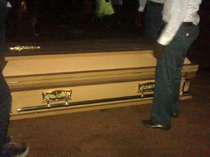 520 Check out Photos from 2face Idibia Dads Burial