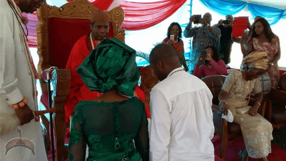 olu1 Photos as Olu of Warris Son receives fathers blessings