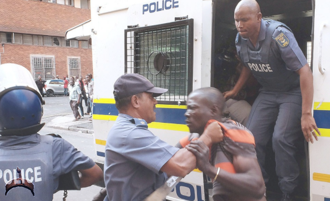 south africa police kills nigerian