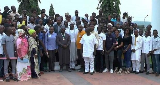 Yahaya Bello with youths from Natasha Akpoti