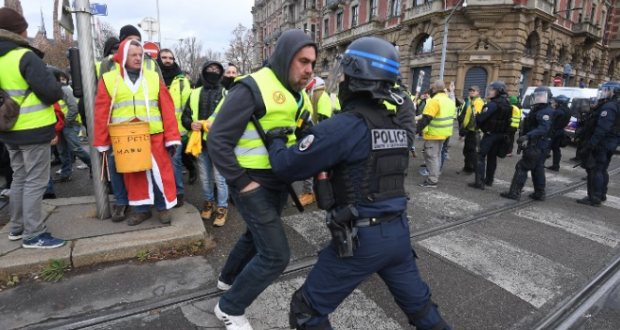 Yellow-Vests