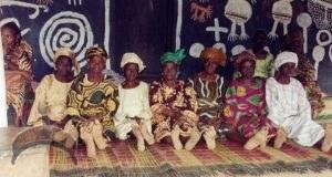Àwọn Yèyélórìṣà, Akirè Shrine Ilé Ifẹ̀, 2003.