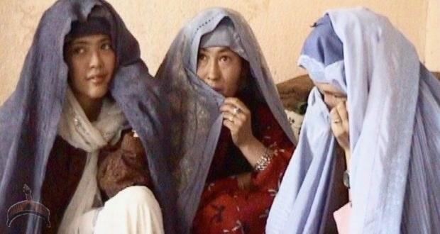 Fatima, Maliha and Nouria, at home in Kabul